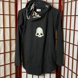 Xs lularoe skull amber tunic sweatshirt